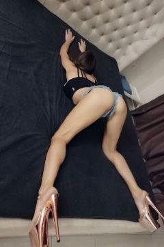 Эмилия — лингам-массаж от проститутки - 3000 руб. в час