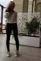 Лили — полная лесби проститутка в Сочи