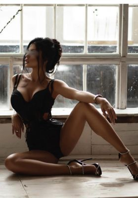Виктория -—проститутка для группового секса, тел. 8 918 004-28-35, доступна 24 7