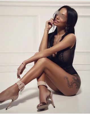 Виктория — классический массаж от Сочинская проститутки - 10000 руб. в час