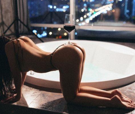 Проститутка рабыня Мелисса, 21 лет, заказать в один клик