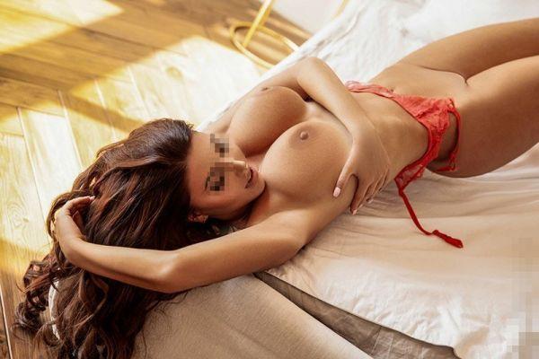 Вызов проститутки в Сочи (Элис, от 15000 руб. в час)
