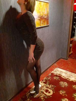 Яна, ню-фото взрослой шлюхи