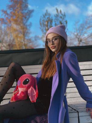 молоденькая студентка Виолетта, рост: 165, вес: 48