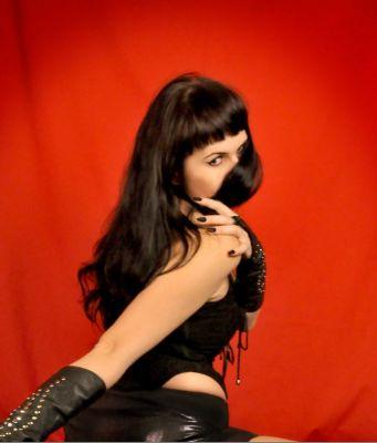 Госпожа Зара — классический массаж от Сочинская проститутки - 5000 руб. в час
