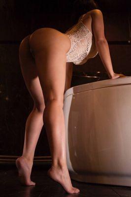 девушка массажистка Карина, от 8000 руб. в час