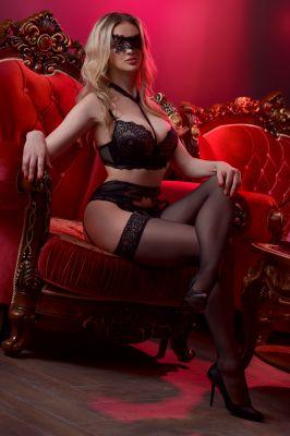 Влада — лингам-массаж от проститутки - 3000 руб. в час