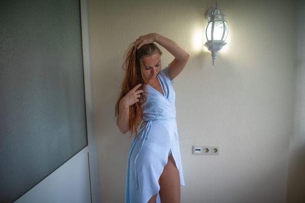 самая дешевая проститутка Елена, тел. 8 928 458-50-35